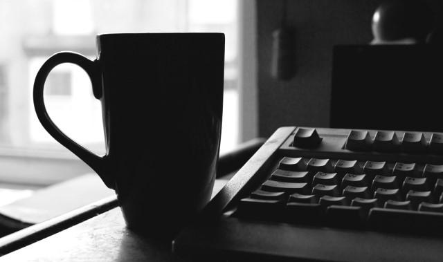 Ordinateur, telephone et wifi gratuits au Café L'Entre-Gens